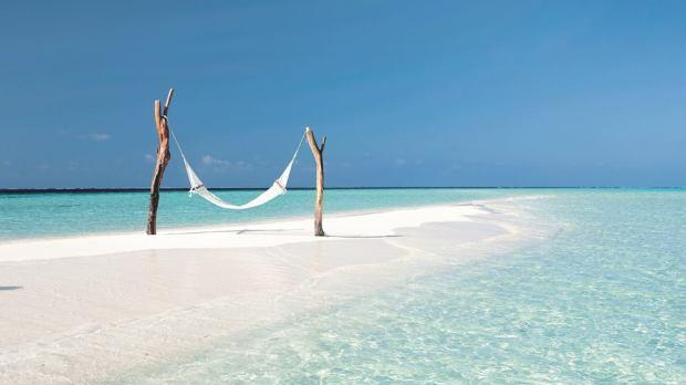 maldives-generic-beach-view-with-hammock